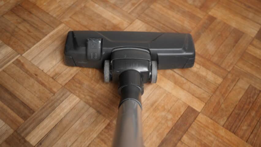 Header of vacuum