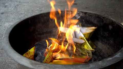 Burning joss paper for worship