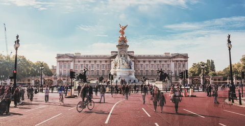 6k Time lapse of Buckingham Palace with Victory Statue in Sunny day, London