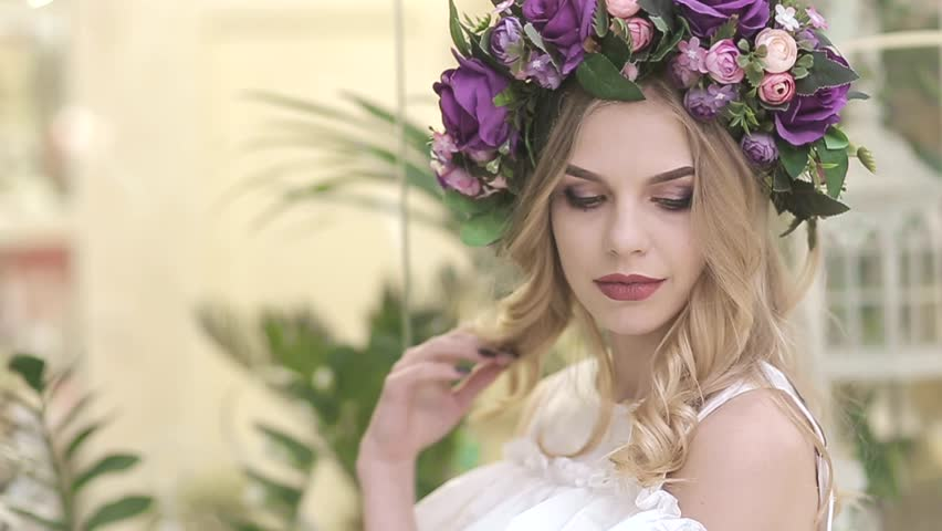 The girl advertises the flower shop   Shutterstock HD Video #1010117759