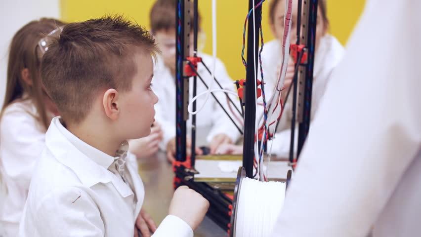 Study of technology in a modern school | Shutterstock HD Video #1010126819