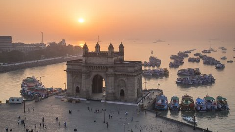 Jan 2018, India, Mumbai, Maharashtra, The Gateway of India, monument commemorating the landing of King George V and Queen Mary in 1911 - time lapse