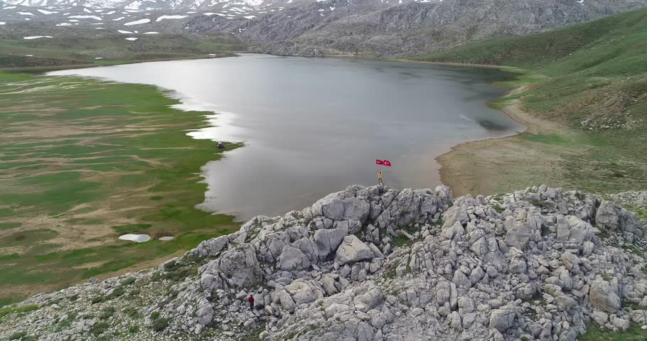 victory climb and turkish flags