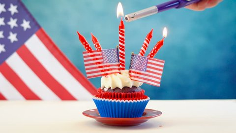 a2878797b45 Red white and blue theme cupcakes with USA flags for Independance Day or USA  theme party