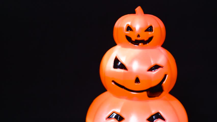 From Blur Shift Focus to Overlap Pumpkins Face Model Decorated Lighting | Shutterstock HD Video #1018214029