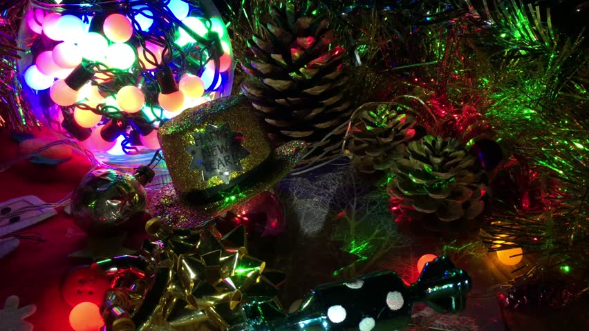b4bd5431512d8 4k00 12composition of various Christmas decorations