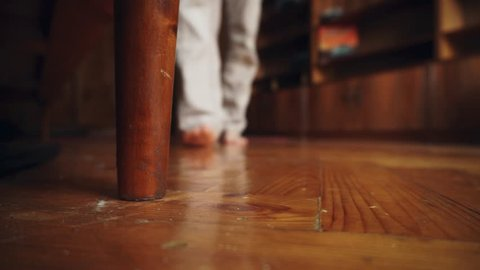 The little toe smacked against thebed leg, nightstand .- Little toe accident