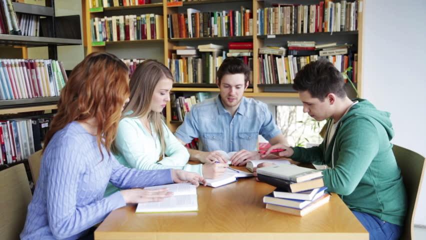 """Résultat de recherche d'images pour """"students revising"""""""