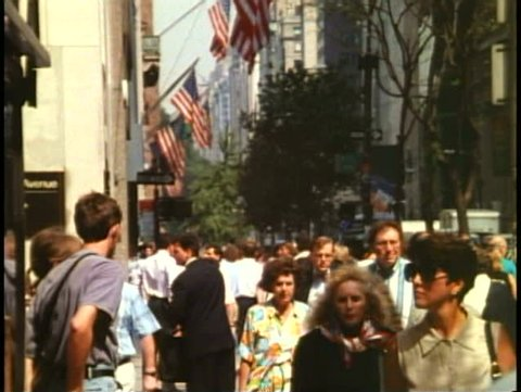 NEW YORK CITY, 1994, Fifth Avenue, crowd on sidewalk, crushed shot