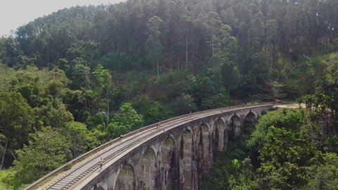 A nine arch bridge in the middle of nowhere - surroundet by pure Nature / Sri Lanka