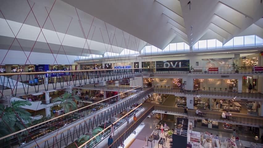 KUALA LUMPUR MALAYSIA JUNE 15 2016 Shoppers In Suria KLCC