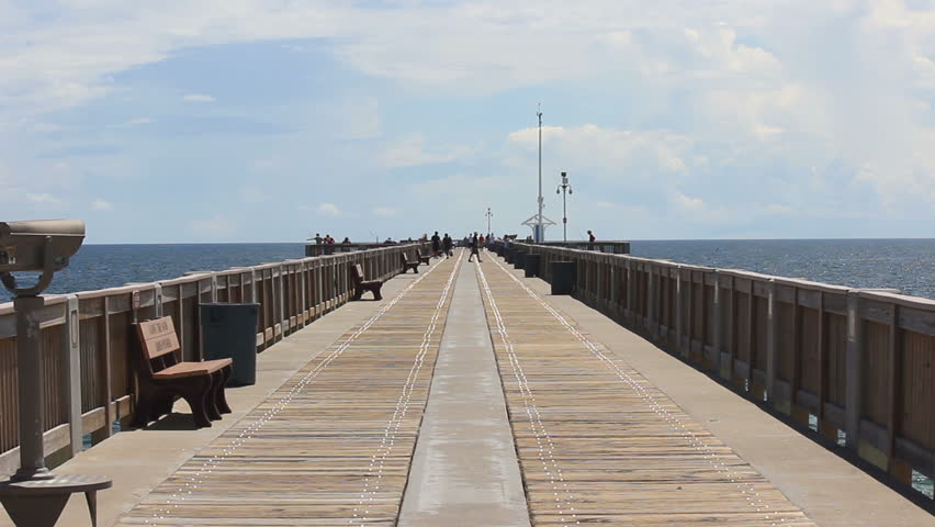 Walking to the beach and pier panama city beach pier for Panama city fishing pier