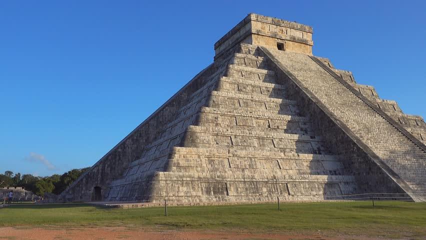 chichen itza maya site kukulcan temple at sunrise dolly movement no people