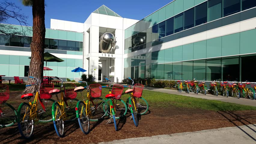 google office in usa. MOUNTAIN VIEW, CA/USA - JANUARY 24: Android OS Replicas In Front Of Google Office On Jan 24, 2016. Specializes Internet Related Services And Usa