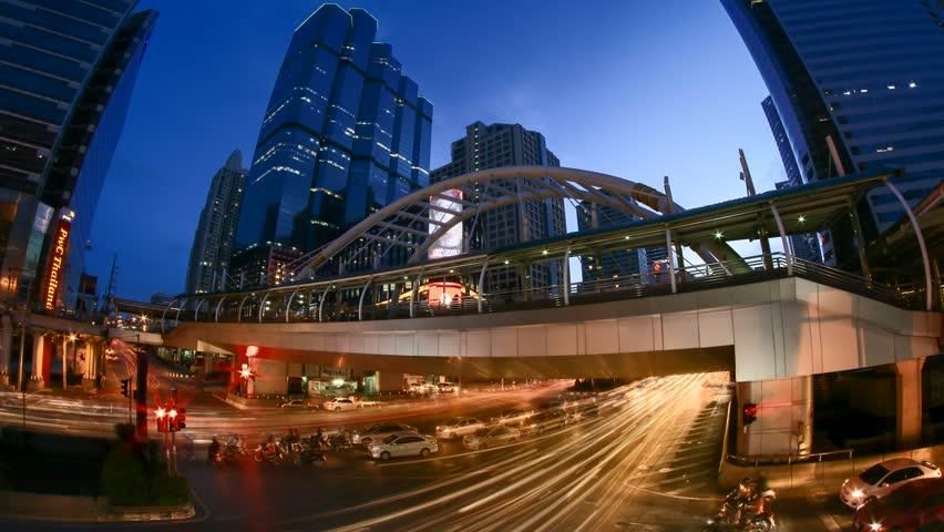 4K day to night timelapes Chong Nonsi skywalk at skytrain station (BTS) thailand