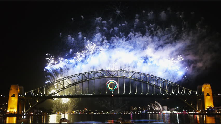 New Years Eve fireworks on Sydney Harbor Bridge-5
