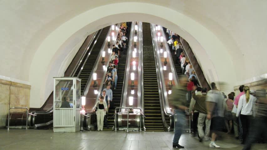 subway escalator time lapse