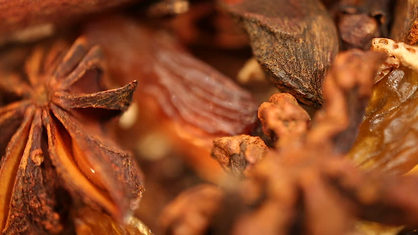 Aromatic anise, clove and raisin blend for mulled wine, European hot drink