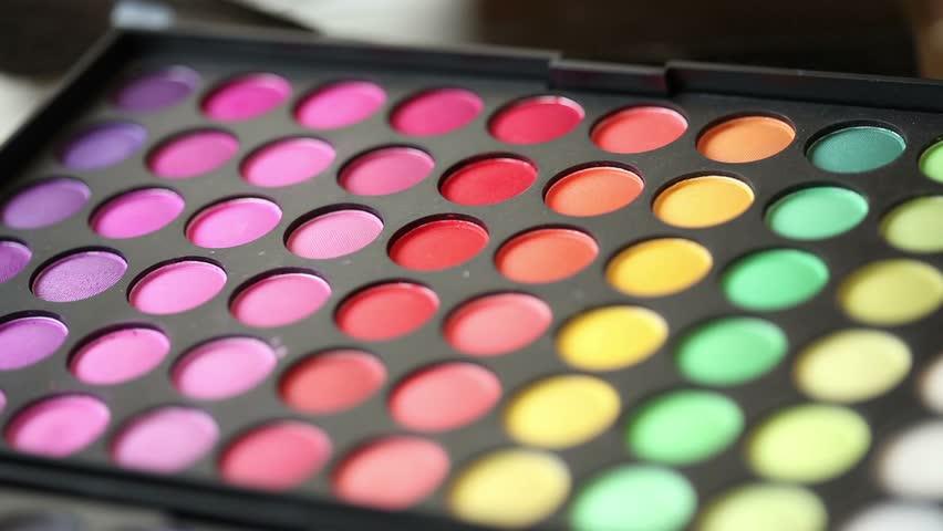 Как сделать цветные тени 982