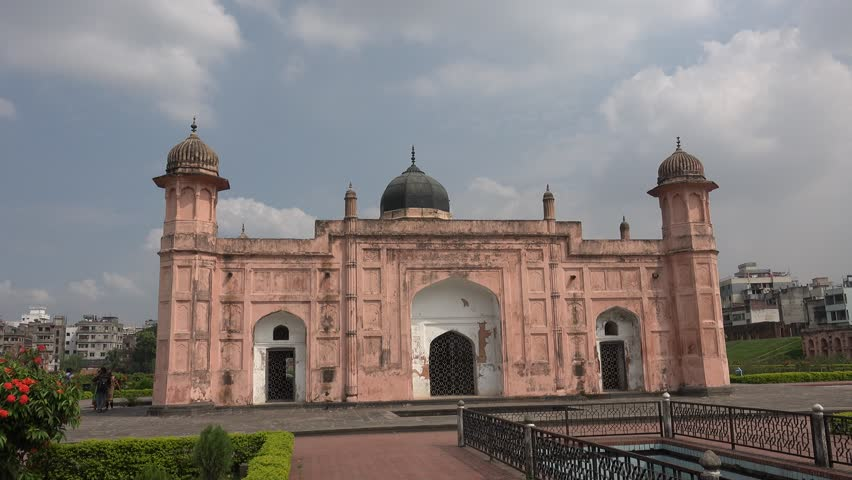 historical places in dhaka Ahsan manzil at dhaka in bangladesh - historical place ahsan manzil in dhaka city about ahsan manzil: ahsan manzil was the official residential palace and  dhaka (dacca) set beside the buriganga river & is the capital of bangladeshit's a hub for trade & culture, with a long history.