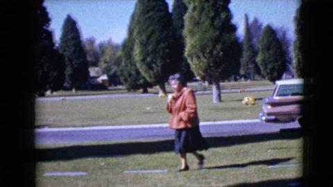 CLARKSDALE, ARIZONA 1968: visiting a gravesite