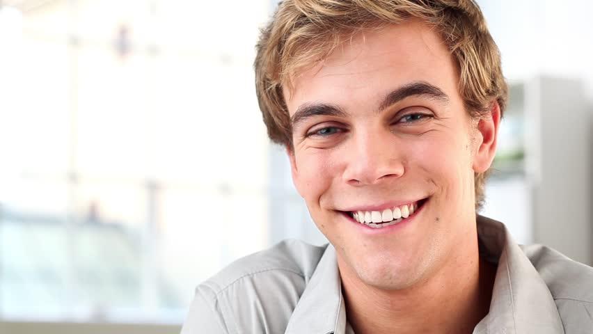 Resultado de imagen para smiling young man