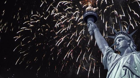 Seamless loop - Statue of liberty, night sky with fireworks, HD video