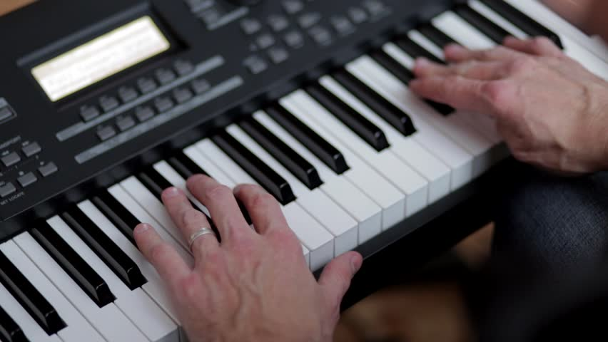 how to play guns for hands on keyboard