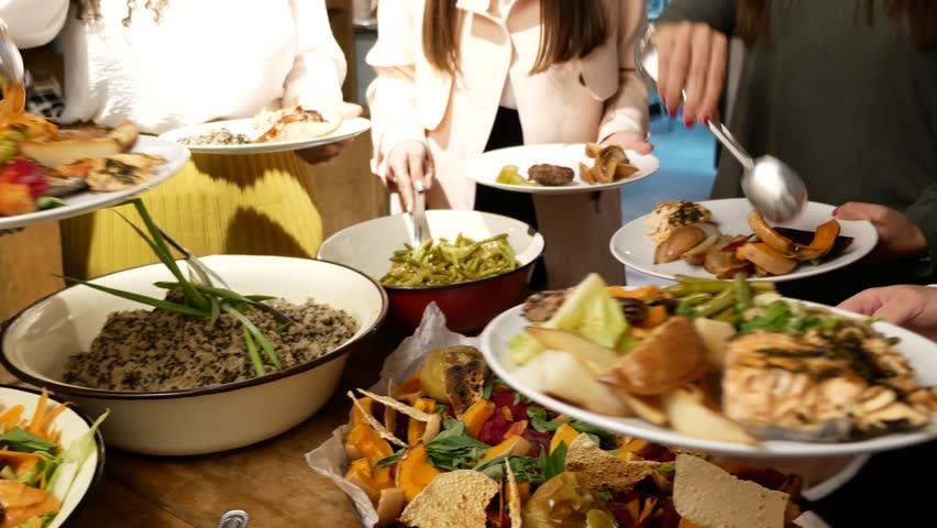 Self serving food in restaurant #26534189