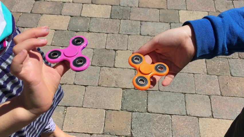 Fidget spinners video (no trademark/generic spinners)