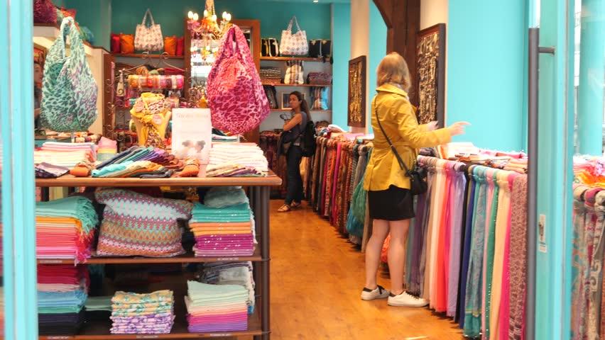Butic store dresses fashion franc