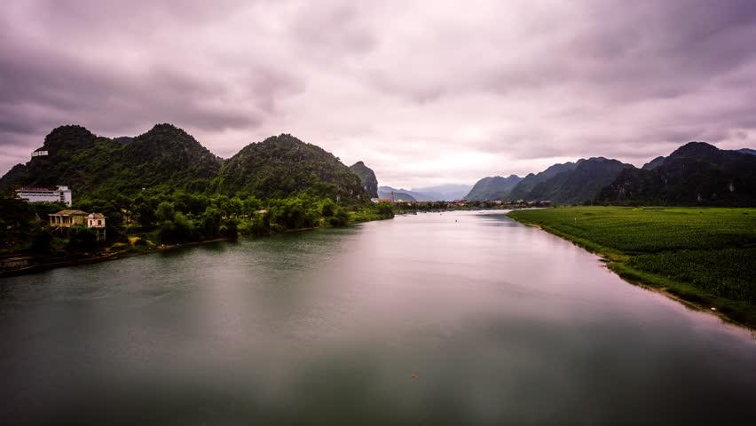 Phong Nha Ke Bang time lapse, Vietnam tilt
