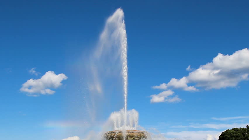 Buckingham Fountain In Grant Park Chicago Illinois With Camera Movement