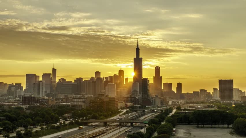 Time Lapse of a Sunrise behind the Willis Tower in Chicago - 24 FPS