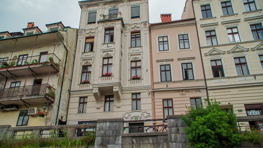 LJUBLJANA, SLOVENIA   28. AUGUST 2017 There Are Beautiful Tall Houses On  The River