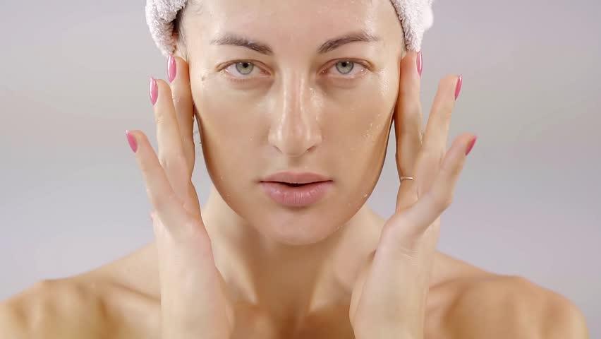 Beautiful Woman Applying Skincare Lotion Arkivvideomateriale 100 Royalty Fritt 30427009 Shutterstock