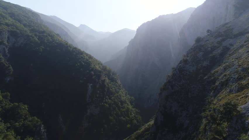 Tour through a mountain valley. #31193059