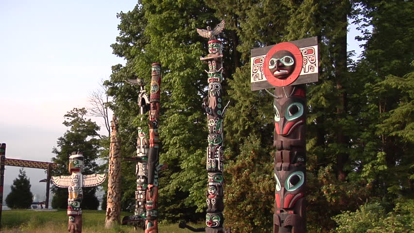 the history of totem poles in british columbia