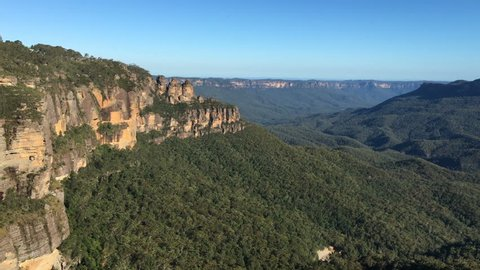 HD b-roll cinematic footage of Three Sisters peak at Blue Mountains, Australia. Zoom in