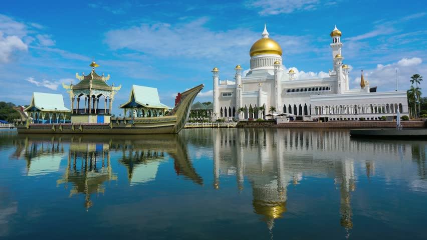 Stock Video Clip Of Timelapse Of Masjid Sultan Omar Ali