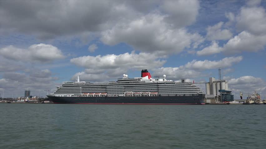 SOUTHAMPTON HAMPSHIREUK SEPTEMBER Tracking Shot Of - Tracking queen victoria cruise ship