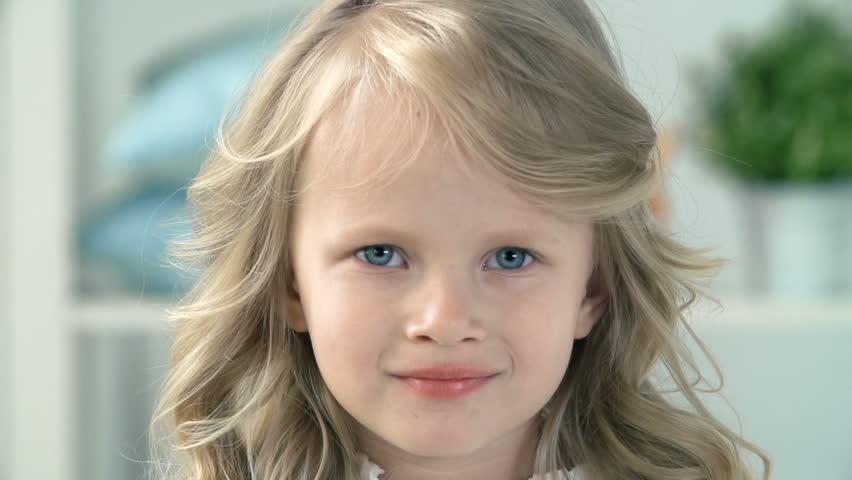 Beautiful Blonde Young Girl Eats A Hamburger At Restaurant-9490