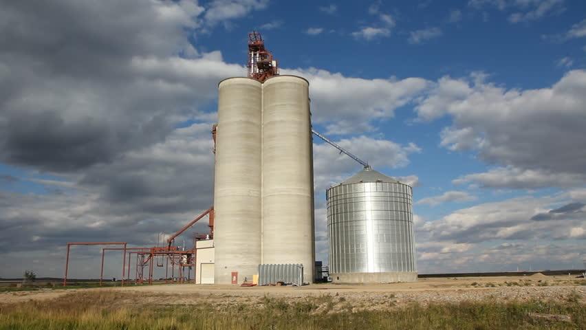 Grain Storage Silos In Swift Current Saskatchewan Canada Stock - Current time in saskatchewan