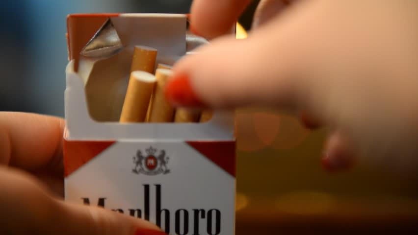 marlboro cigaret 4ps Marlboro (cigarette) topic marlboro cigarettes in package marlboro ( us : , uk : ) is a brand of cigarettes it is made by philip morris usa (a branch of altria.
