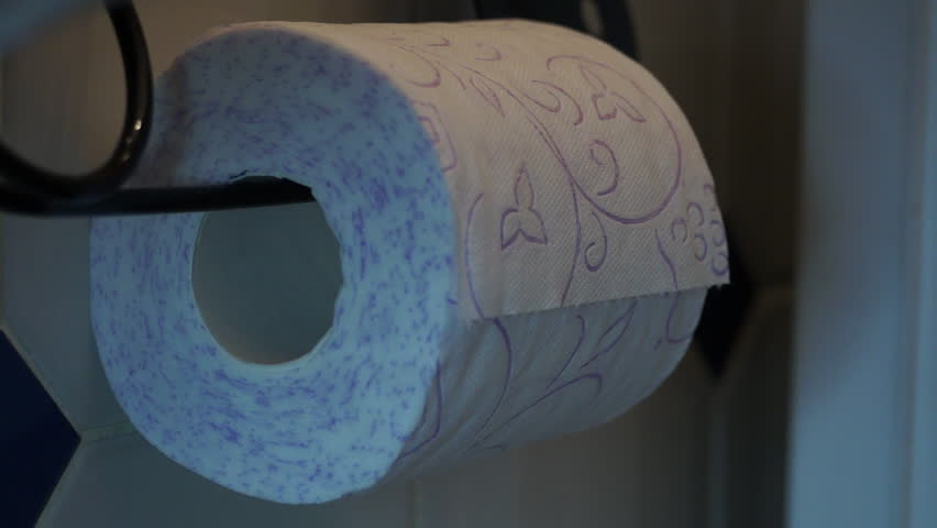 Unrolling Toilet Paper From Giant Black Clip White And Purple Stockvideos Filmmaterial 9235169