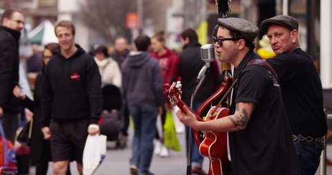 SOUTHAMPTON, UK - CIRCA 2015: Buskers on a busy street