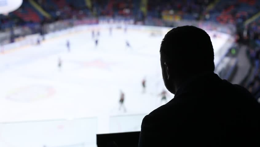 Header of commentator